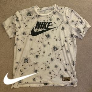 Nike Men's Floral Graphic Tee - XL